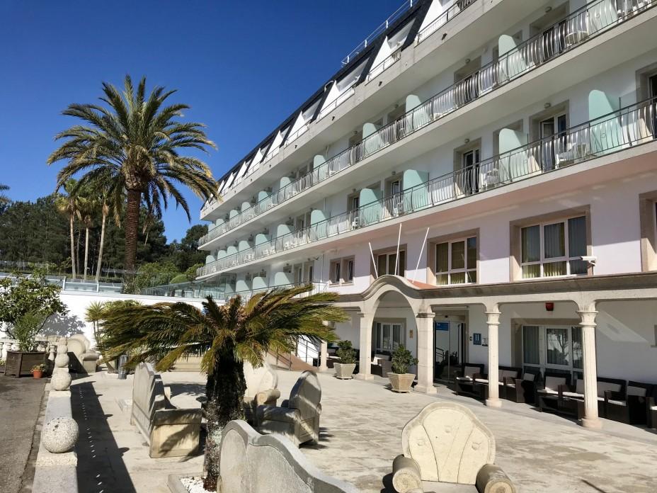Fachada - Hotel Nuevo Vichona - Hoteles Spa en Sanxenxo..jpg