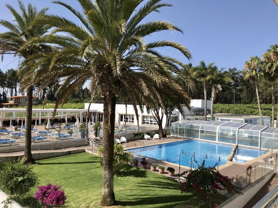 PISCINAS HOTEL NUEVO VICHONA SPA SANXENXO.jpg
